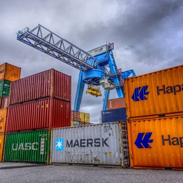 How much does an empty sea container weigh?