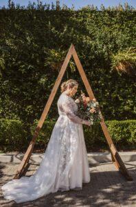 We choose a wedding dress